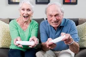 mayores utilizando Videojuegos